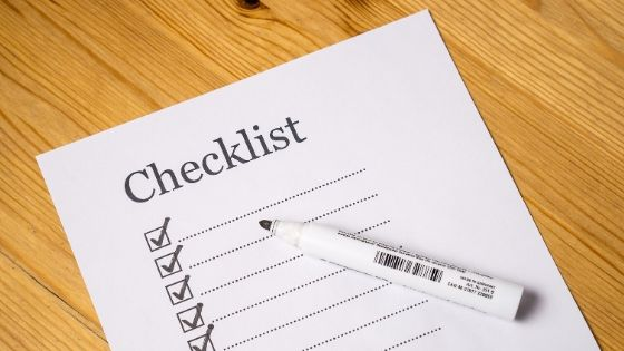 Track maintenance with a checklist
